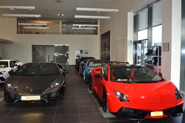 Gasperich_Showroom Lamborghini Bentley